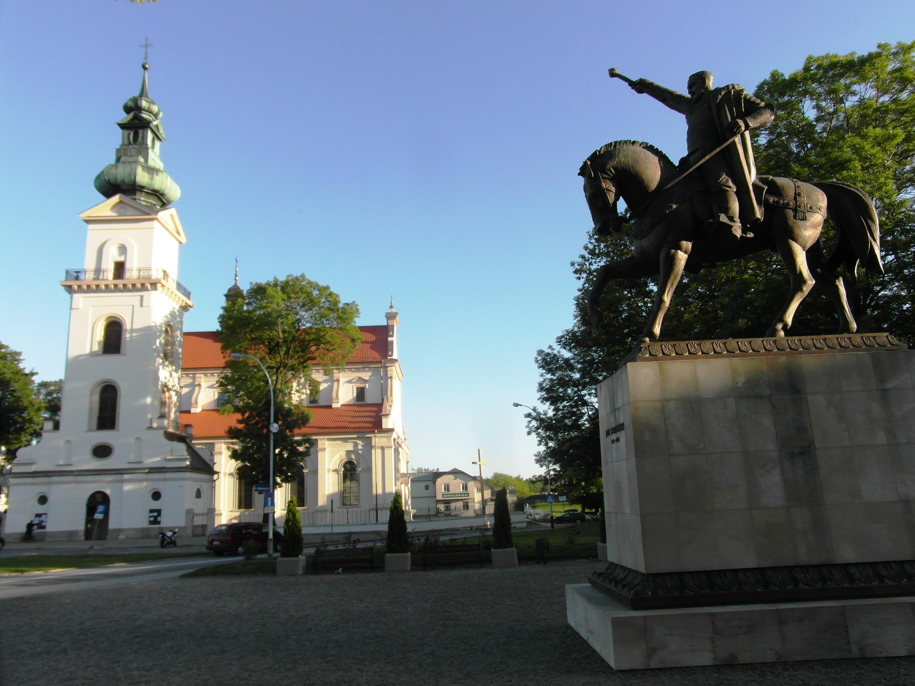katerda i pomnik PZ.