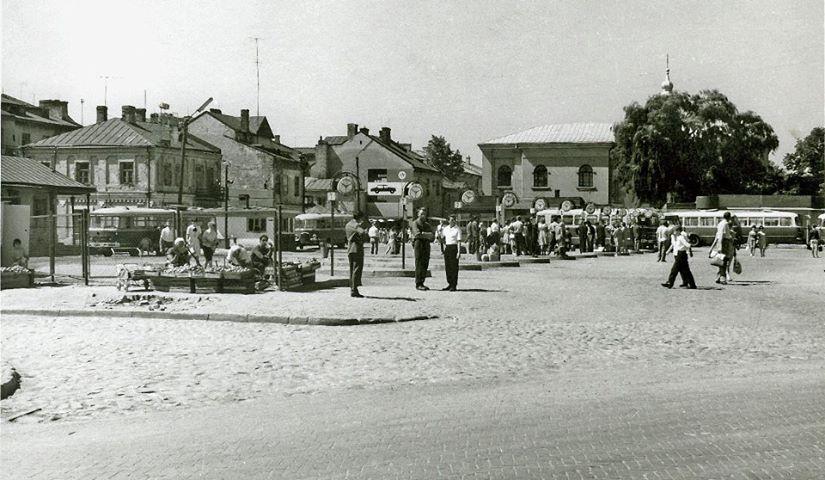 Plac autobusowy zd Otachel ok 1970