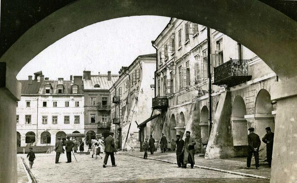 pierzeja wschodnie żydzi ok 1925 zamoscdawniej A Jabłoński