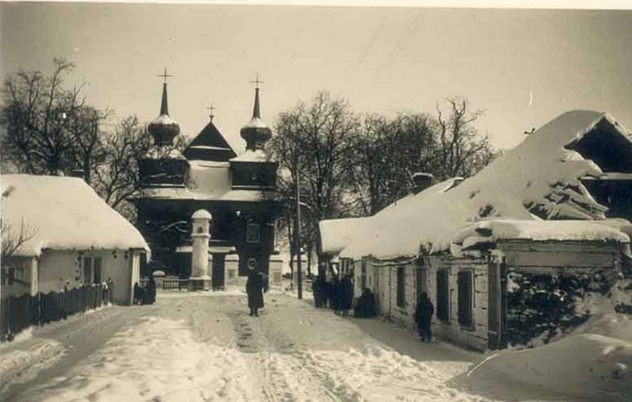 Tomaszów kościół zima stare